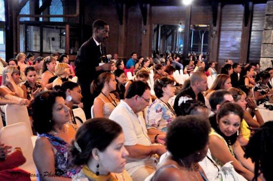 Los comunicadores cubanos dan la bienvenida a la NTE