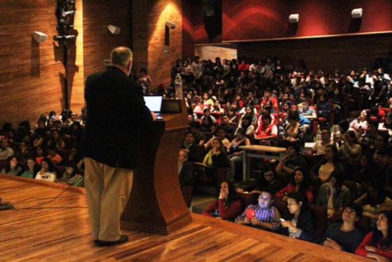 Rafael Alberto presentó en la UNAM la 2ª Fase de la NTE