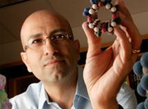 Profesor Reza Ghadiri. Fuente: Instituto de Investigación Scripps.