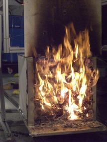 La investigación busca avanzar en la comprensión de las formas de propagación del fuego durante incendios en almacenes y depósitos. Imagen: UC San Diego.