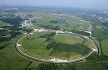 Instalaciones del Tevatron en el Fermilab de Chicago. Fuente: Wikimedia Commons.