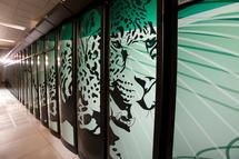 Instalaciones del superordenador Jaguar. Imagen cortesía del National Center for Computational Sciences, del Oak Ridge National Laboratory de Estados Unidos.