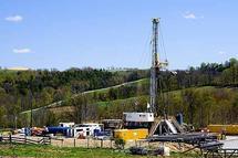 Se han comprobado distintos riesgos para la salud humana relacionados con las técnicas de fracturación hidráulica en yacimientos gasíferos. Imagen: elblogverde.com.