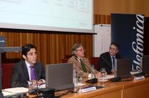 De izquierda a derecha, Jose María Alvarez Pallete, Daniel Peña  y Emilio Olías. Foto: Telefónica.