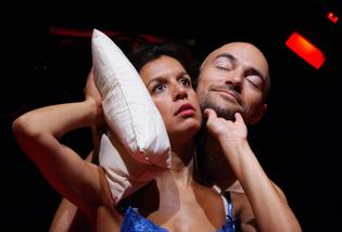 Momento de la representación. Fuente: Teatro Alhambra de Granada.