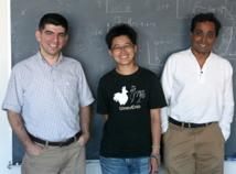 De izquierda a derecha: Askin Kocabas, Hannah Shen y  Sharad Ramanathan. Fuente: Universidad de Harvard.