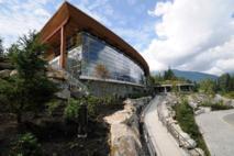 El Squamish Lil'wat Cultural Centre formará parte del nuevo polo cultural de Whistler, que girará en torno al futuro museo de arte. Imagen: Squamish Lil'wat Cultural Centre.