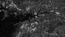"""Río """"Nilo"""" en Titán. Fuente: NASA/JPL."""