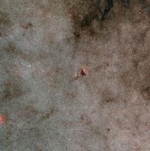 Visión de amplio campo del cúmulo estelar NGC 6520 y la nube oscura Barnard 86. Fuente: ESO.