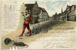 Postal de 1902, con la imagen del Flautista de Hamelín. Imagen: loki11. Fuente: Wikimedia Commons.