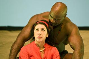 Momento de la representación. Imagen cedida por Teatro Alhambra de Granada.