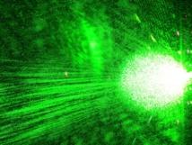 Los científicos provocaron un entrelazamiento cuántico con luz láser, y que proporcionó información sobre iones y fotones individuales. Imagen: Steve Jurvetson. Fuente: Flickr.