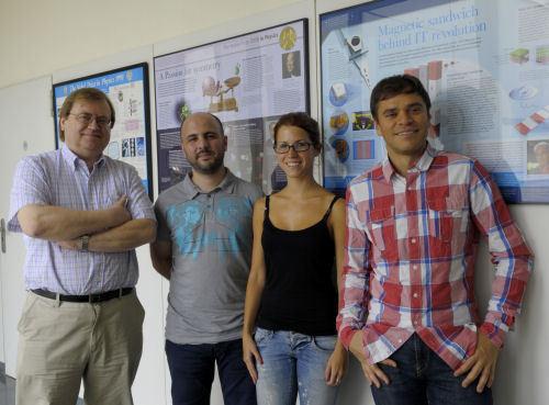 El equipo de la UB, formado por Javier G. Orlandi, Jaume Casademunt, Jordi Soriano y Sara Teller. Fuente: UB.