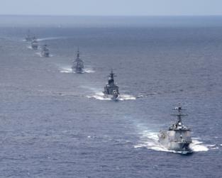 Maniobras de la Armada norteamericana en el Pacífico, en 2012. Official U.S. Navy Imagery.