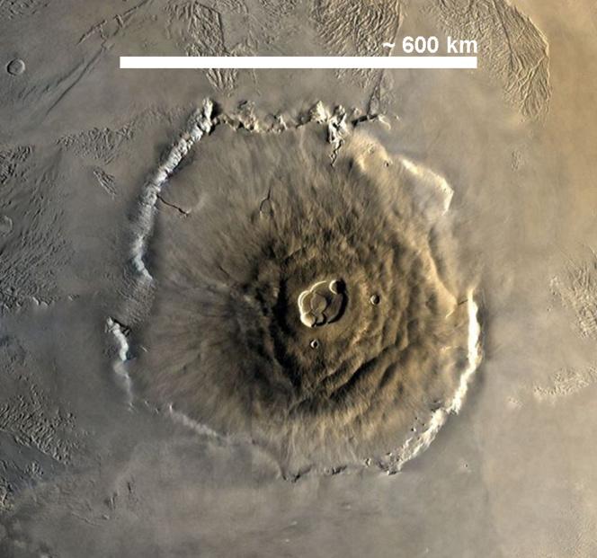 El Macizo Tamu tiene un tamaño cercano al del Monte Olimpo de Marte, que aparece en la imagen. Imagen: Juan de Vojníkov. Fuente: Wikipedia.