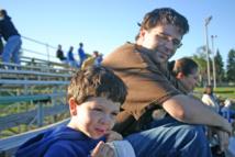 Padre e hijo. Imagen: Mel B. Fuente: Flickr.