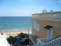 Casas en Playa de las Mil Palmeras (Alicante). Imagen: Noecampat. Fuente: Wikimedia Commons.