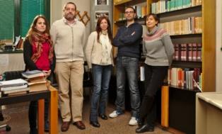 De izquierda a derecha, Lorena Molina Molina, Manuel González Suárez, Virginia Muñoz, Javier Verdejo y Lucía Rodríguez-Noriega Guillén. Fuente: Universidad de Oviedo.