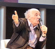 Jacques Roubaud en el Salón del Libro de París en 2010. Imagen: Ji-Elle. Fuente: Wikipedia.