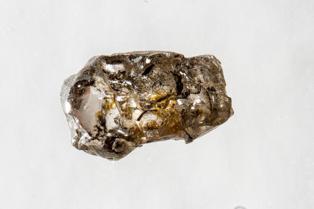 Muestra del diamante de Juína (Brasil) que contiene ringwoodita rica en agua. Imagen: Richard Siemens. Fuente: Universidad de Alberta.
