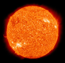 El Sol fotografiado por el Atmospheric Imaging Assembly (AIA 304) del Solar Dynamics Observatory (SDO) de la NASA. Imagen: NASA. Fuente: Wikipedia.