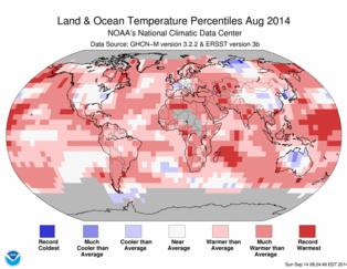 Gráfico de temperaturas de agosto de 2014. En rojo, las zonas con temperaturas más altas respecto a la media histórica; en azul, las que han tenido temperaturas más frías. Fuente: NOAA.