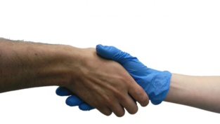 El análisis del guante tras un apretón de manos revela que se transmiten olores de la mano desnuda. Fuente: Instituto Weizmann de Ciencias.