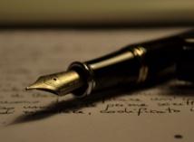 """Escritura con pluma. """"Stipula fountain pen"""", Power_of_Words_by_Antonio_Litterio.jpg. Licensed under CC BY-SA 3.0 via Wikimedia Commons."""