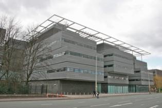 Edificio Alan Turing en la Universidad de Manchester. Foto: Mike Peel.