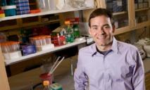 Charles Gersbach, uno de los autores de la investigación con ratones con distrofia muscular de Duchenne. Fuente: Universidad de Duke.