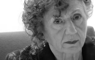 Juana  Castro en la presentación de la Colección Genialogías en la Fundación Centro de Poesía Jose Hierro de Getafe, el pasado 21 de abril de 2016. Fuente: Ediciones Tigres de Papel.