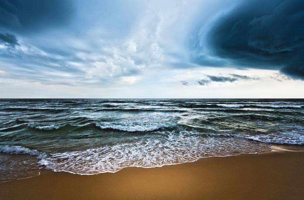 Los océanos pueden ayudar a retrasar algunos impactos del cambio climático. Foto: OMM/Olga Khoroshunova