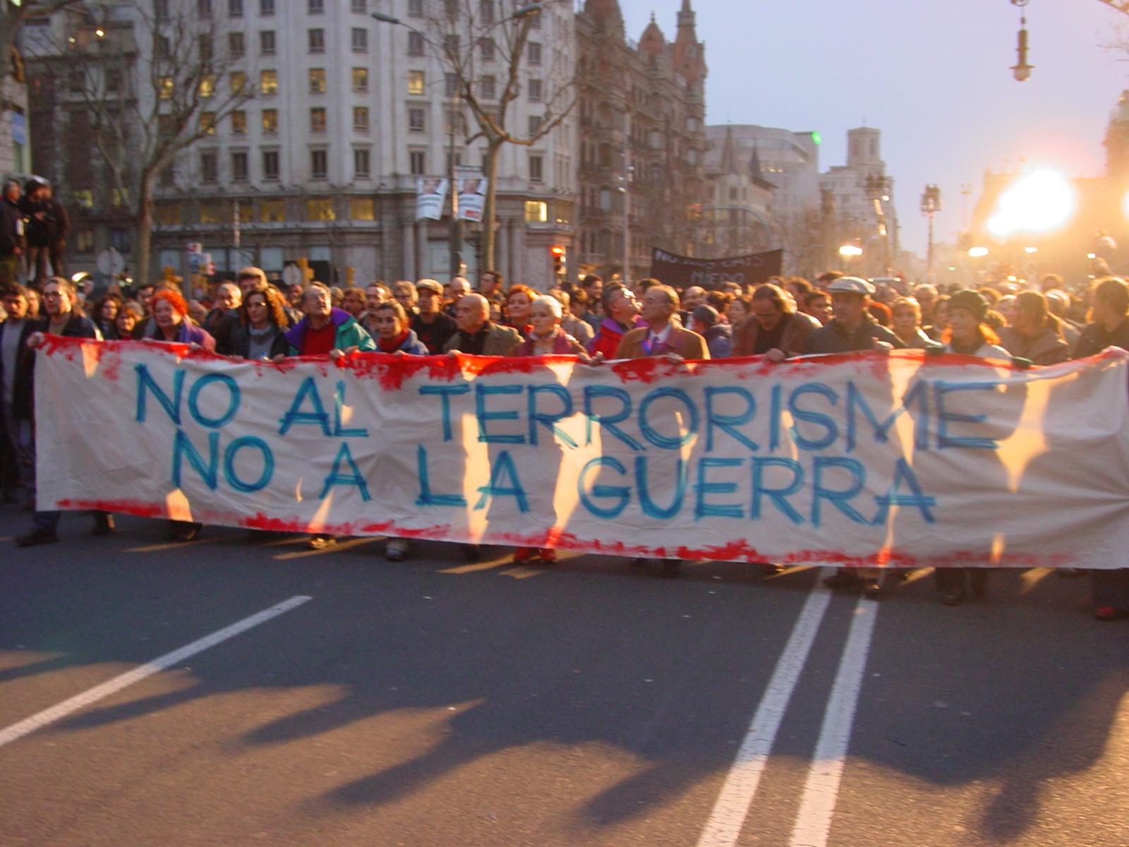 Manifestación en Barcelona en 2004 contra el terrorismo y la guerra. Foto: Kippelboy