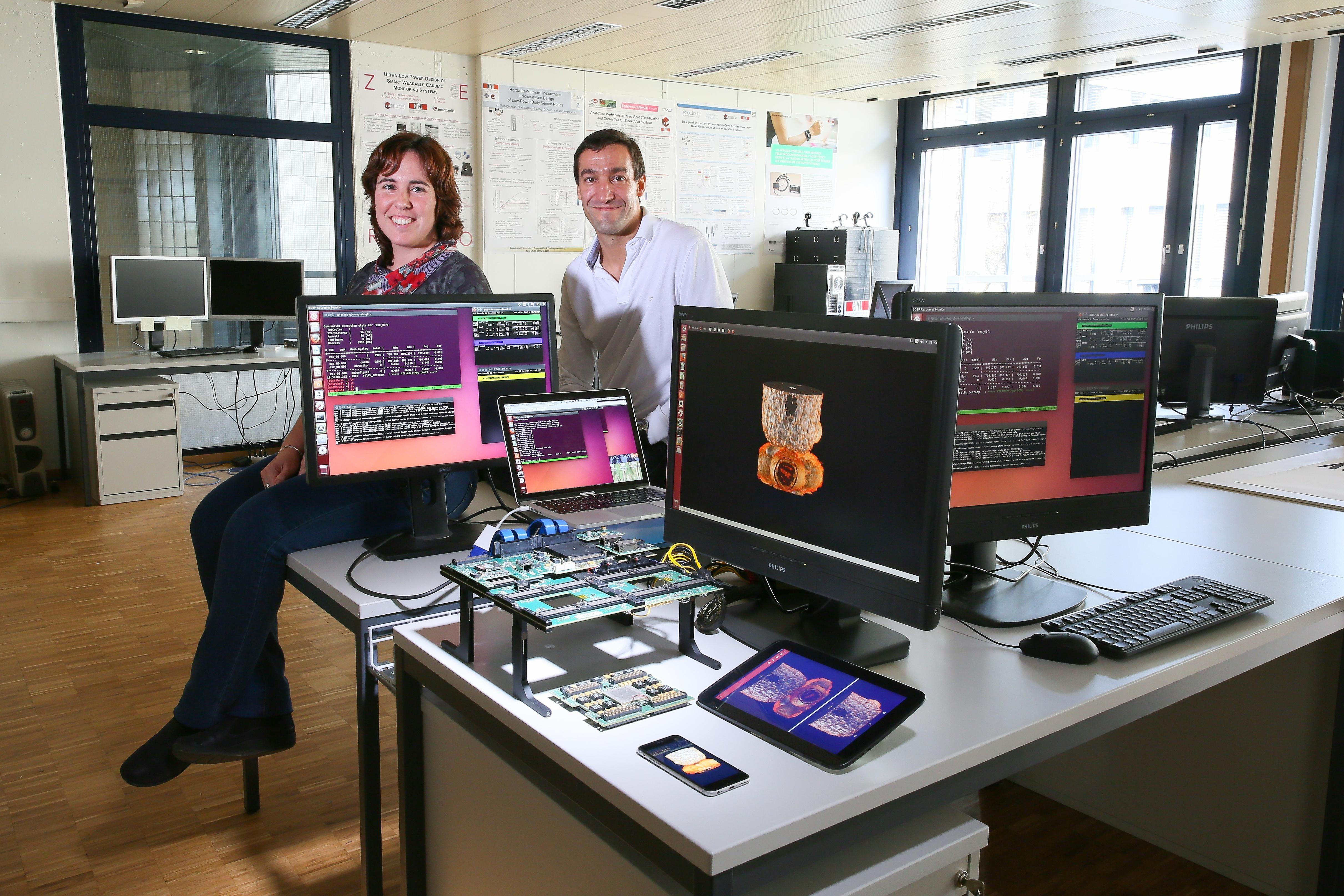Los investigadores suizos que desafían los límites del streaming. © EPFL / Alain Herzog