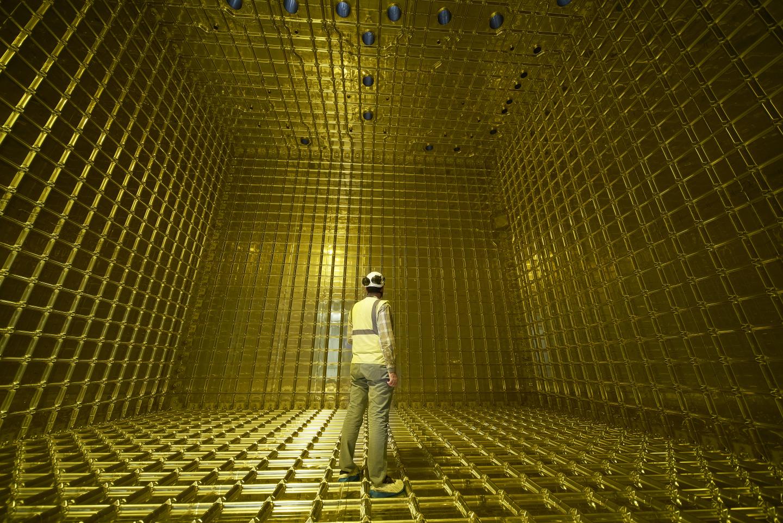 Así es el interior de un enorme detector de neutrinos llamado ProtoDUNE. Foto: CERN.