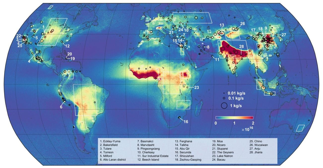 Mapa de flujo de amoniaco atmosférico construido a partir de 9 años de datos de satélites: refleja 242 fuentes puntuales, indicadas por círculos negros, y 178 zonas de emisión más grandes, rodeadas por rectángulos blancos. © Martin Van Damme y Lieven Clarisse / ULB. Click sobre la imagen para ampliar.