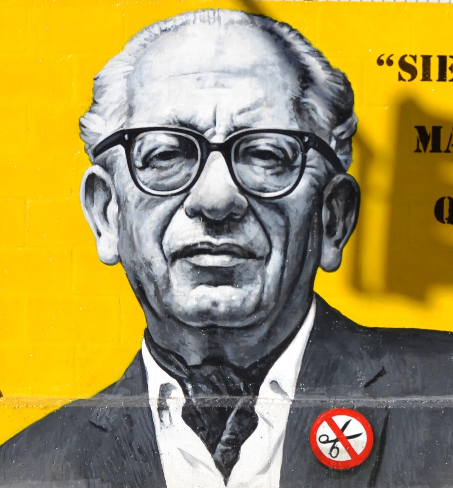 Max Aub en un mural del colegio Max Aub de Valencia.Fuente: De Joanbanjo - Trabajo propio, CC BY-SA 3.0.