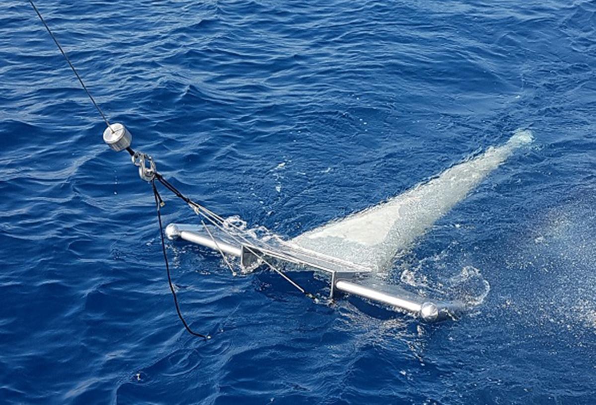 Polietileno (54,5 %), polipropileno (16,5 %) y poliestireno (9,7 %) son los microplásticos más abundantes en las aguas costeras del Mediterráneo. UB.