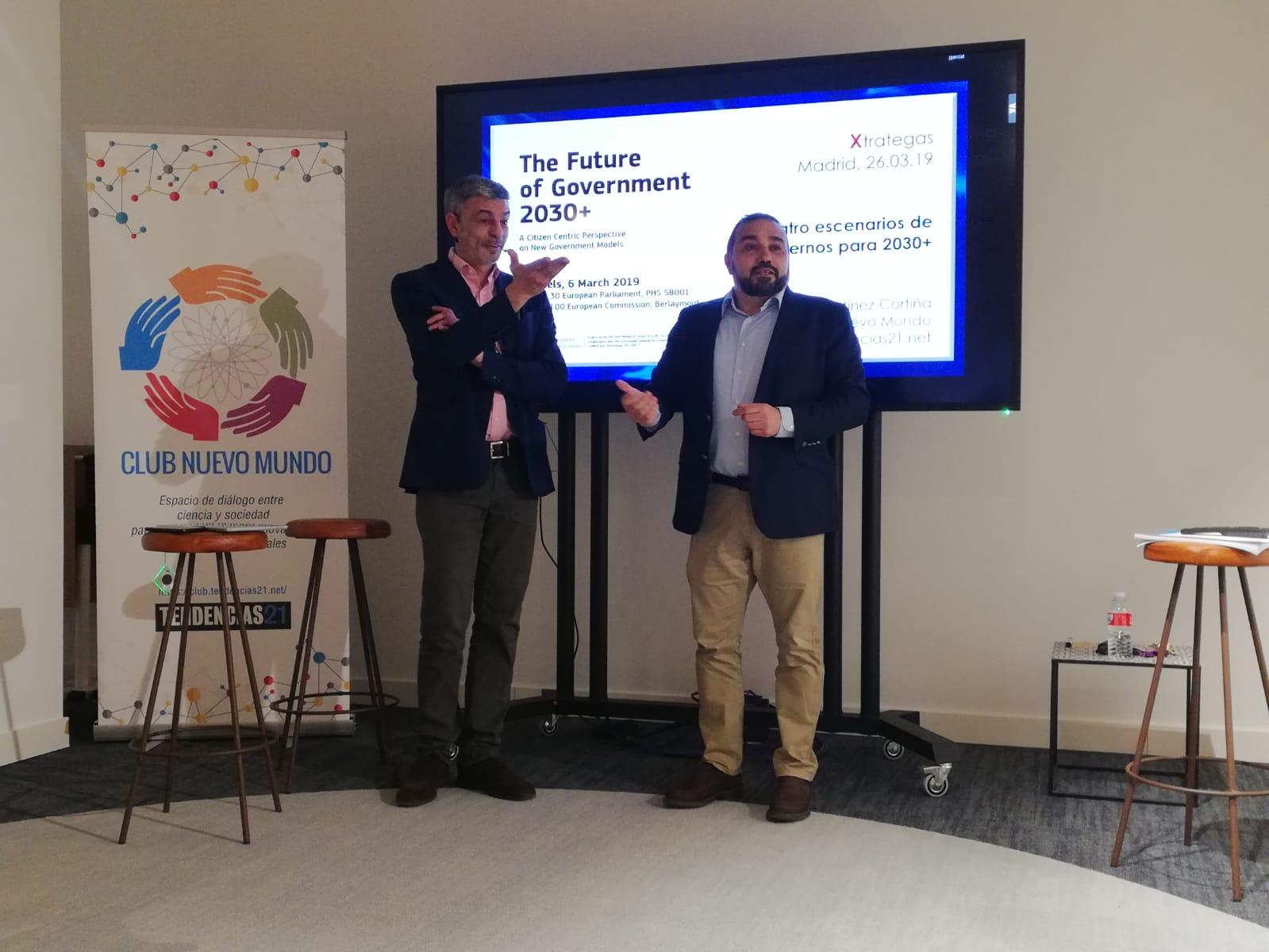 Rafael Martínez-Cortiña (izda.) y Juan Zafra, en un momento de la presentación. Foto: Xtrategas.