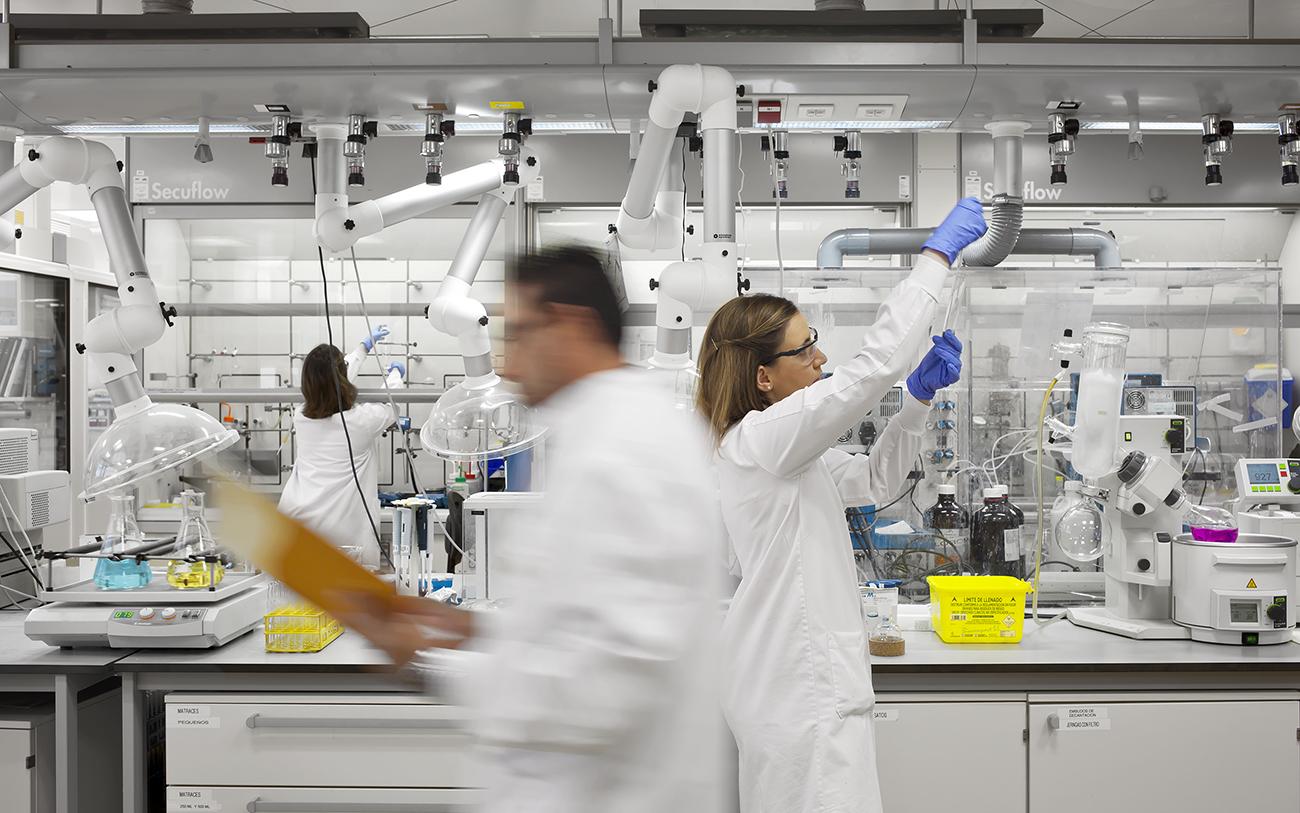 El Centro Nacional de Investigaciones Oncológicas (CNIO) es un centro español referente global de investigaciones en cáncer. Imagen de uno de sus laboratorios. Fuente: CNIO.