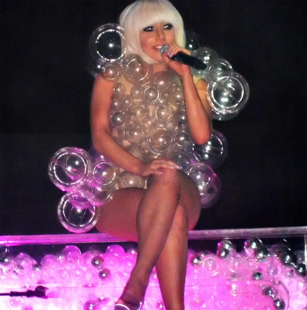 Lady Gaga, en 2009, en Minneapolis (Minnesota, EE.UU.). Imagen: Stephen Carlile. Fuente: Wikipedia.