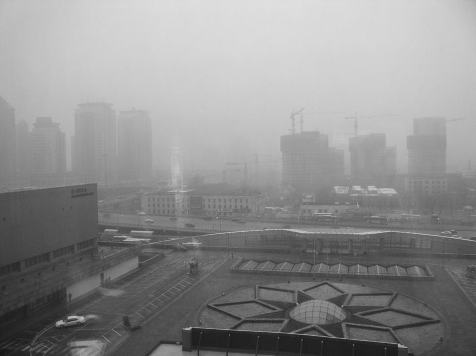 NIebla tóxica sobre Pekín. Imagen: Kevindooley. Fuente: Flickr.