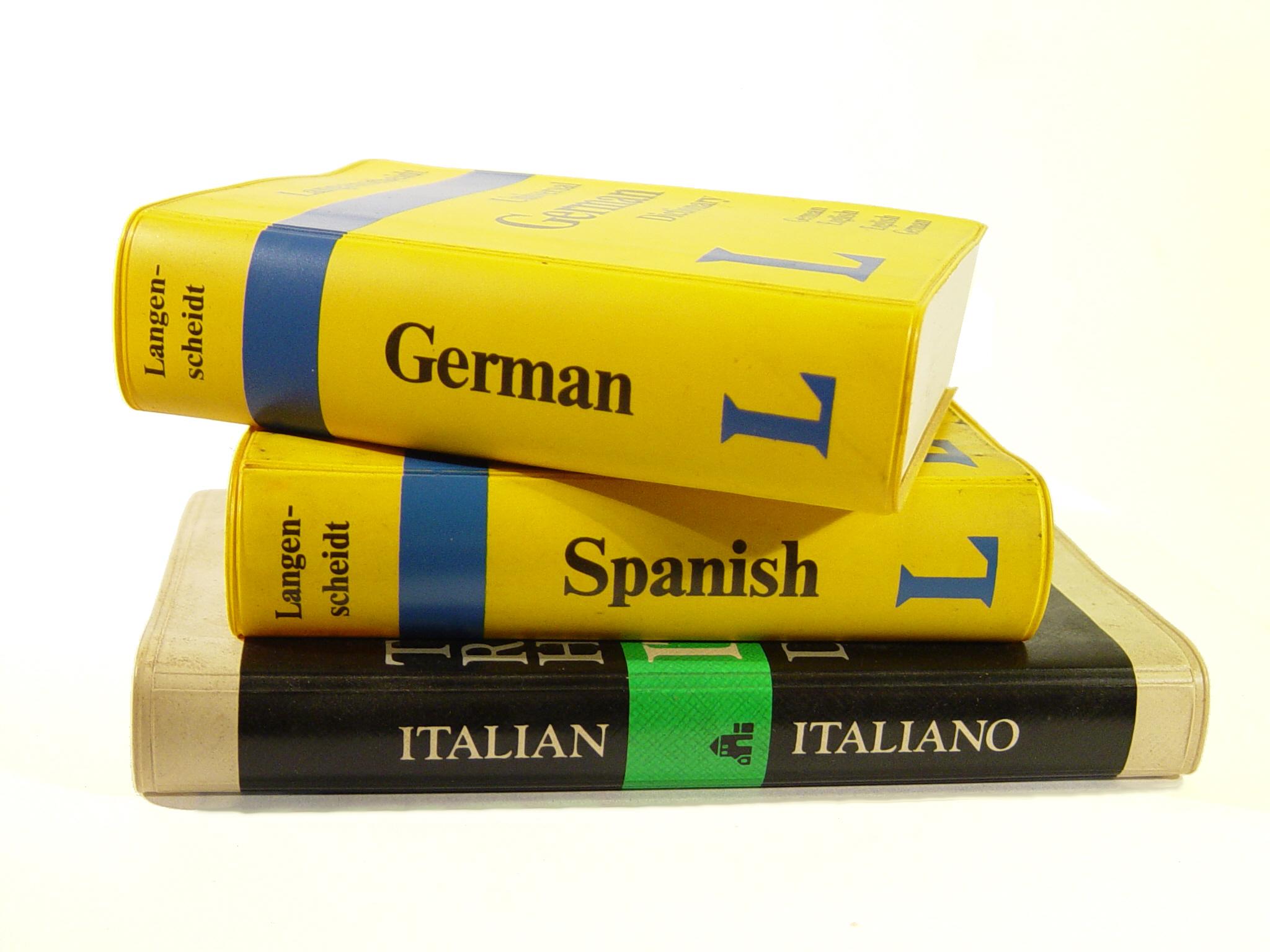 No es necesario manejar a fondo un idioma para saber qué cosas se pueden o deben decir en qué contextos. Imagen: dogmadic. Fuente: Stock.xchng.