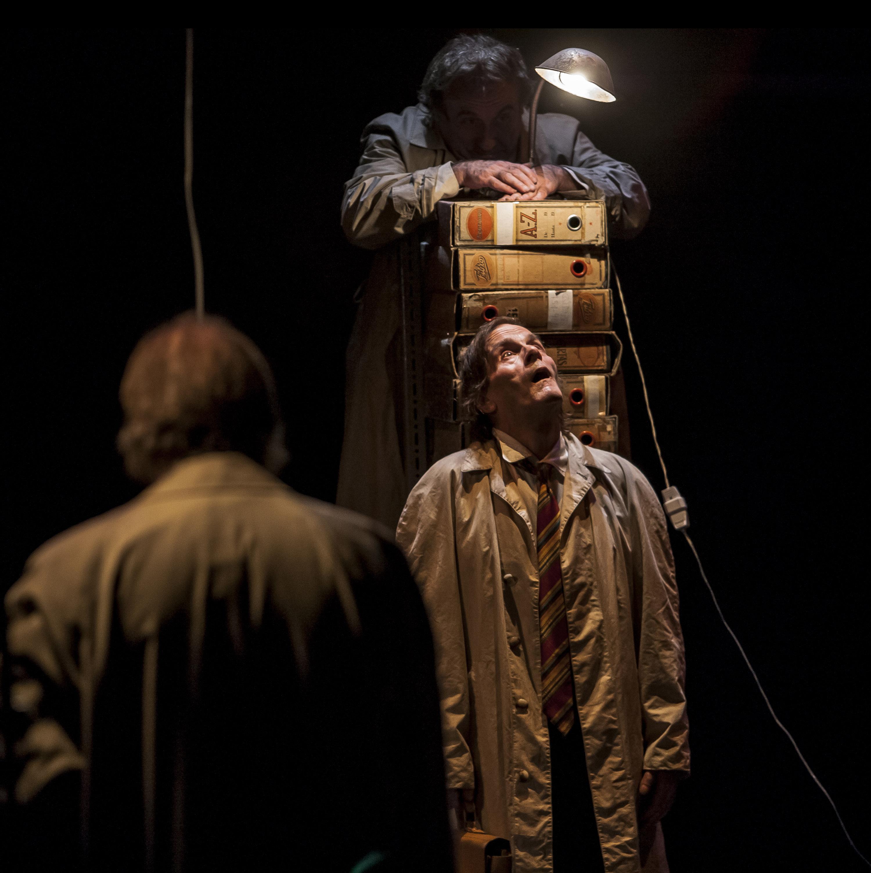 Momento de la representación. Imagen: La Zaranda. Fuente: Teatro Alhambra de Granada.