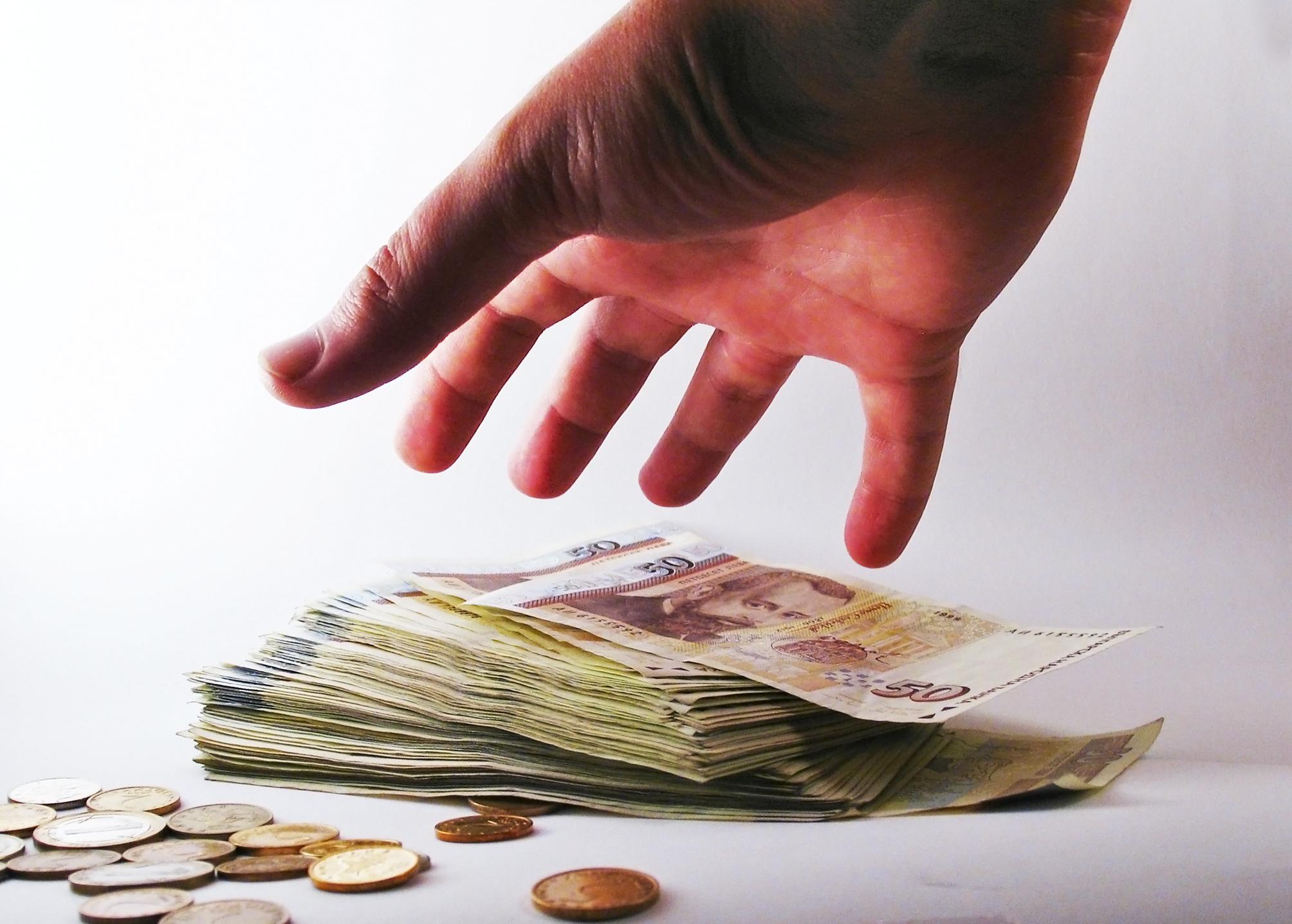 La corrupción aumenta cuando hay más intermediarios implicados. Imagen: svilen001. Fuente: FreeImages.