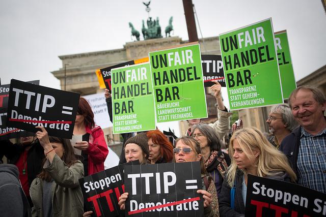 Manifestación en Berlin contra el TTIP. Fuente: https://www.flickr.com