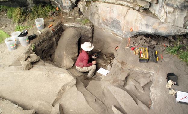 Trabajos de excavación en Cuncaicha. Imagen: Kurt Rademaker. Fuente: Universidad de Maine.