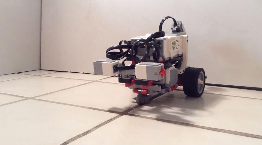 El robot del experimento. Fuente: Timothy Busbice.Toutube.