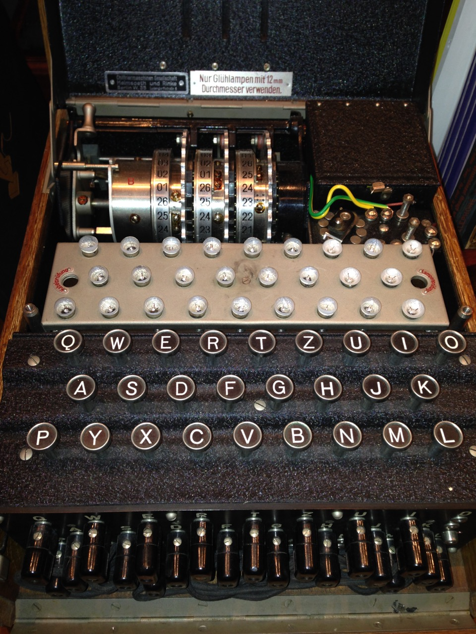 Máquina Enigma de la Biblioteca Walker de la Historia de la Imaginación Humana (Connecticut). Imagen: Michael Shadlen. Fuente: Universidad de Columbia.