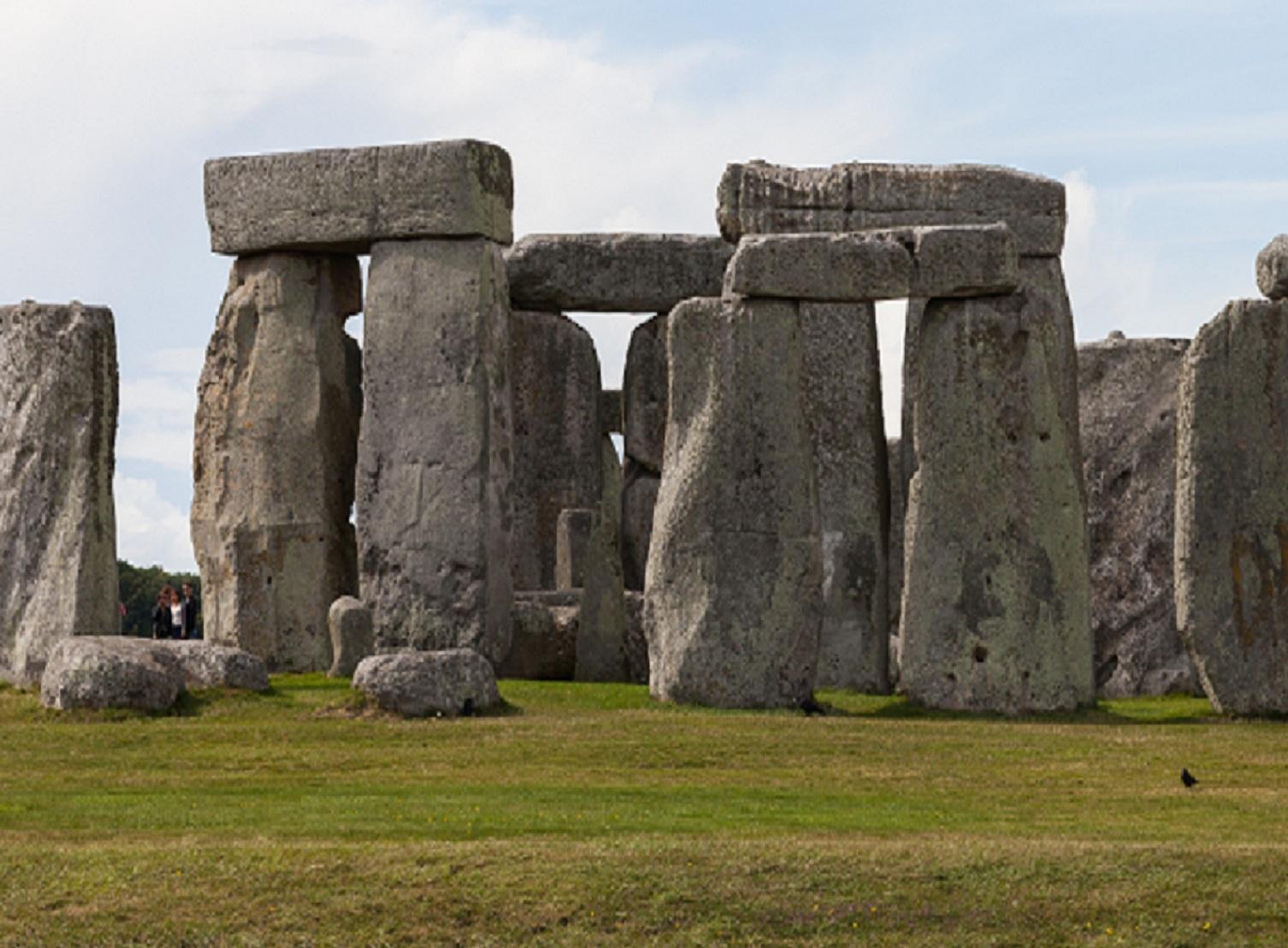 Stonehenge, Condado de Wiltshire, Inglaterra (2014-08-12). Imagen:  Diego Delso. Fuente: Disponible bajo la licencia CC BY-SA 4.0 vía Wikimedia Commons .